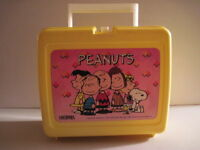 Peanuts Plastic Lunchbox with Thermos Used Charles Schutlz Charlie Brown Snoopy