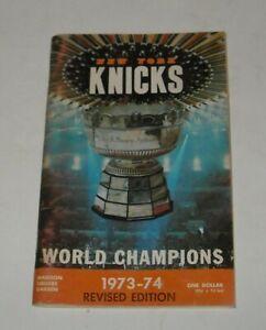 1973 - 1974 NEW YORK KNICKS NBA BASKETBALL MADISON SQAURE GARDEN GUIDE YEARBOOK