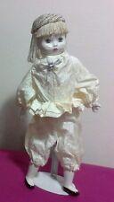 Bambola in porcellana ceramica da collezione PIERROT PIERRETTE con stand, 40 cm