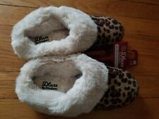 Deluxe Dearfoam Slippers  Medium 7/8 Womens Faux Fur Memory Foam NEW Great Gift
