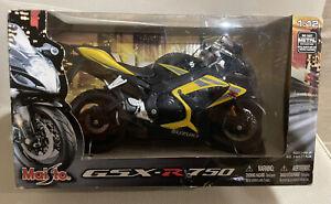 Maisto Rare Suzuki GSX R750 1:12 diecast motorcycle Never Opened.