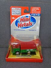 53' Red/Green White 3000 Fuel Delivery Truck HO - Classic Metal Works #30112G