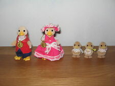 Sylvanian Familes Duck family, Waddlington Duck Mum, Dad & 3 baby ducklings