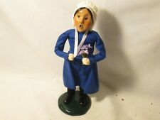 Byers Choice 1997 Exclusive Amish Girl with Flower Bouquet