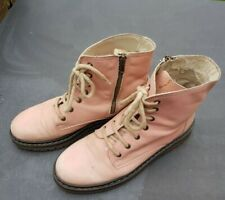 Air Sole Boots size 7 Girls or Boys Pink Boots