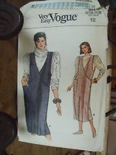 """PATRON VINTAGE """"VOGUE'S """"ROBE CHASUBLE CROISEE   TAILLE 40"""