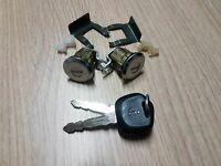 Set 2 Cylindre Pour Samurai Santana SJ410 Cliquet Serrure-Gâche Serrure Port