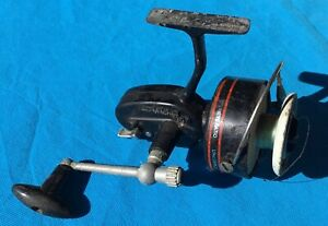 Vintage Mitchell 307 spinning Fishing reel, Made in France.