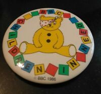 VINTAGE BBC CHILDREN IN NEED BBC 1986 PLASTIC PIN BADGE ORIGINAL