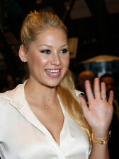 Anna Kournikova Waving Hand 8x10 Photo Print