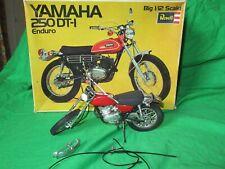 Revell Yamaha 250 DT-1 Enduro Bicicleta Kit De Escala 1/12th construida & en Caja Por Renovación