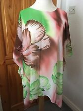 Ladies Large Loose Fitting  Top Size 20-22