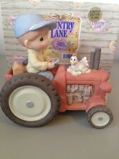PRECIOUS MOMENT FIGURINE  -  BRINGING IN THE SHEAVES - 307084  - COUNTRY LANE
