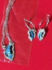 Butterfly - Necklace And Earring Set -  With Crystal's.   A beautiful Gift 💝