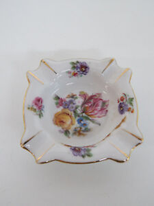 Victoria Czechoslovakia Floral Vintage Ceramic Ashtray 074B