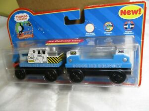 THOMAS & Friends Wooden Railway Ice Delivery Train Cars