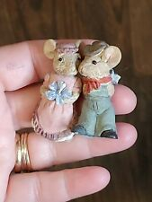 Miniature mouse couple