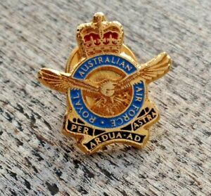 RAAF ROYAL AUSTRALIAN AIR FORCE ENAMELLED LAPEL PIN