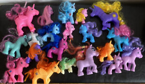 Bundle Of Dream Kingdom Unicorns And Stable With Additional Unbranded Ponies