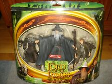 LORD OF THE RINGS - RARE UK ONLY SET - GANDALF,ORC OVERSEER & SAM FIGURES