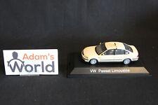 Schuco Volkswagen Passat Limousine 1:43 Taxi, beige (JMR)