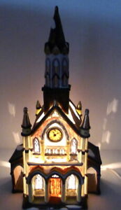 Grandeur Noel Victorian Village Cathedral Church Christmas 2000 Replacement VTG