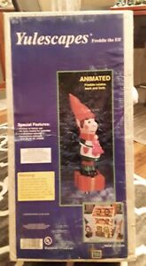 Yulescapes  Animated Freddie The Elf Christmas Decoration/ New / Red