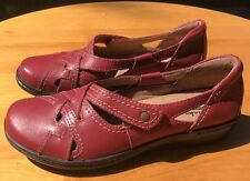 Clarks Collection Women's Red Leather Slip On Loafer Shoe Size 5.5M US