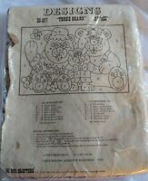 """Rug Crafters Pattern Canvas THREE BEARS #35577 Vintage 23"""" × 33"""" Rug Wallhanging"""