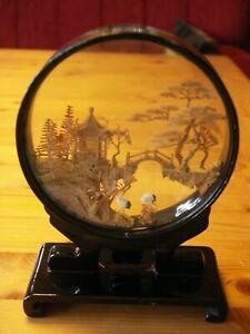 Korkschnitzerei im Glaskasten - Korkbild - Diorama