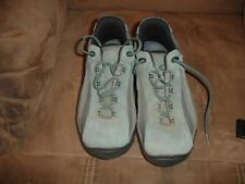 Women's suede green asolo hiking shoes great size 6 1/2.