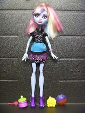 Abby Bominable HOME ICK Monster High Doll! Complete with Accessories!