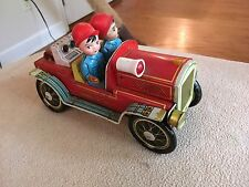 Vintage Battery operated Tin Litho TOY FIRE TRUCK China Nice!