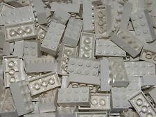 LEGO 50 x WHITE BRICKS 2 x 4  No 3001   CITY-STAR WARS-FRIENDS-MOVIE
