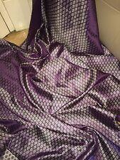 """1 M viola/argento tessuto broccato... 45"""" larghezza £ 3.99 Nuovo In Magazzino"""