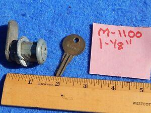 1939 Seeburg Symphonola Classic Vogue Cabinet Lid Lock M-1100 with embossed key