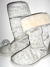GORGEOUS CUTE BRIGHT SILVER LEATHER COACH FUR LINED BOOTS 11B 11M EUC SNOW BUNNY