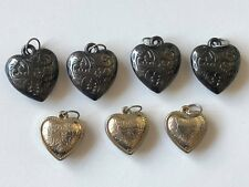 7x MIXED PLASTIC HEART SHAPED CHARMS