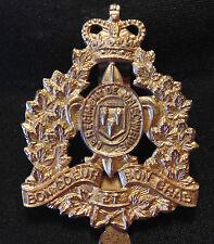 CANADA  Canadian Armed Forces WW2 Le Regiment de Maisonneuve metal cap badge QC