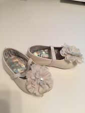 STUART WEITZMAN Baby Shoe white With Flower size 3 US 18 1/2 EUR