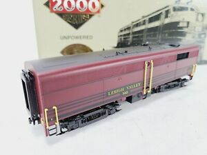 Life Like Proto 2000 8367 Lehigh Valley FB2 Diesel Locomotive #583 Unpowered HO