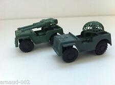 Ancien jouet en plastique - 2 X Dodge 4X4 militaires (1 canon + 1 radar)