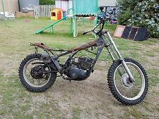 Yamaha dt 250 wrecking all parts available (this action is for one bolt only)