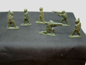 Hard Plastic Toy Infantry Soldiers  set of 22 (16773)