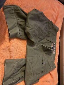 Gap Three-Quarter Length Green Trousers Size 4 Ladies