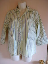 D.C.C. Missy Easycare Stretch Shirt Size L Greens 3/4 Sleeve Button Down Casual
