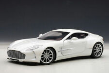 1:18 AUTOart ASTON MARTIN ONE-77 (MORNING FROST WHITE) 2009