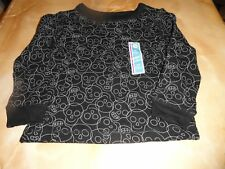 new Childs Black long sleeves w/ SKULLS pullover TOP trendy Size 3 T Halloween