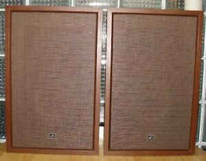 VINTAGE VICTOR COMPANY of JAPAN JVC SPEAKERS - EXCELLENT CONDITION - VERY COOL!