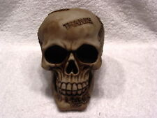 SKULL THANKS FIGURINE